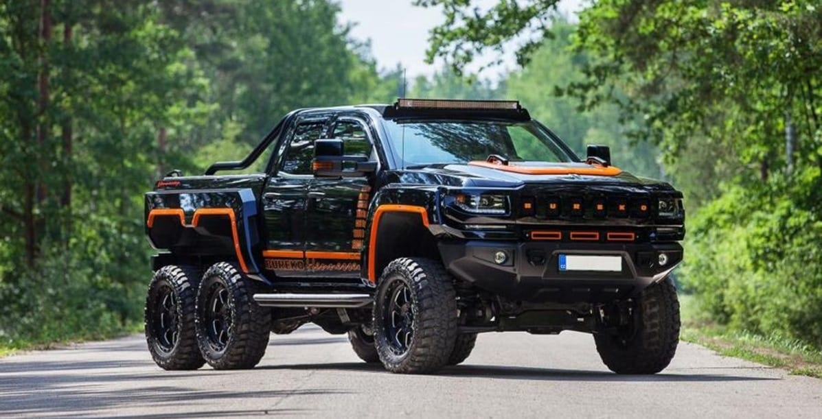 This Tricked-Out Chevy Silverado 6X6 Is An Absolute BEAST ...