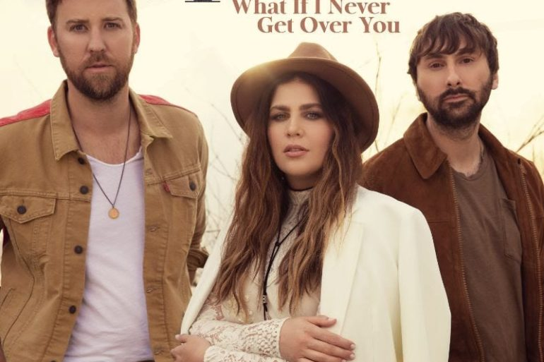 Charles Kelley, Dave Haywood, Hillary Scott posing for a photo