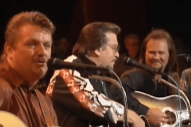 Joe Diffie, Travis Tritt playing instruments