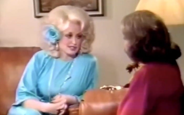 Dolly Parton OWNS Barbara Walters In 1977 Interview After Barbara Implies That She Looks Like A Joke