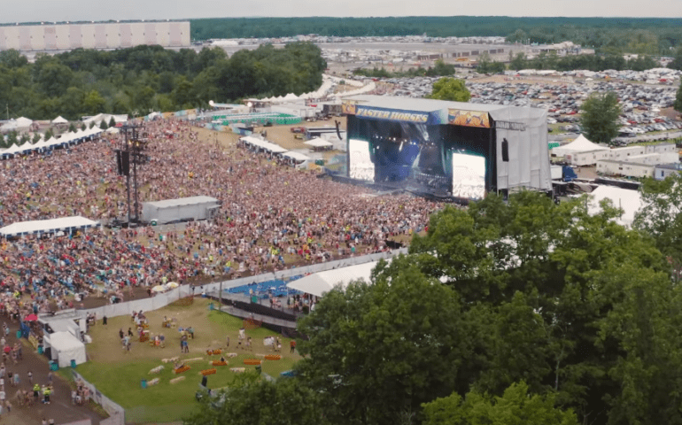A large crowd of people at a concert